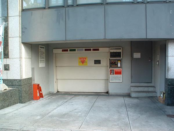 NLCセントラルビル月極駐車場