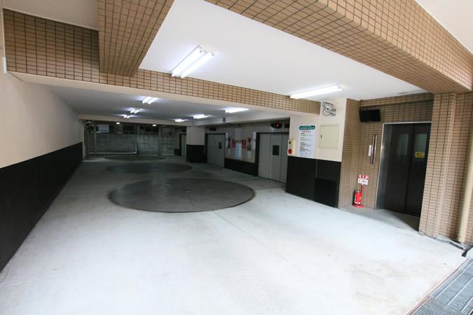 アドマスタワー月極駐車場