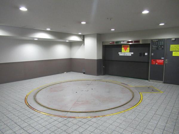 NLC心斎橋アースビル月極駐車場